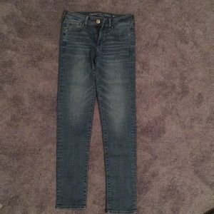 American Eagle Super Stretch Mid-Rise Skinny Jeans